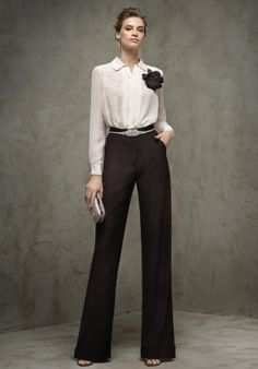 Cocktail trousers, in black, straight, in crepe with side detail in satin and side pockets. Work Fashion, Fashion Pants, Fashion Dresses, Fashion Design, Office Outfits, Chic Outfits, Business Outfit Frau, Marlene Hose, Style Haute Couture