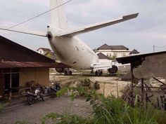 Incredible Pictures Of Unexplained Abandoned Airplanes - Page 5 of 19 - Gleems