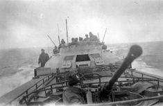 56 - German Schnellboot S-100 E Boat, Hms Queen Elizabeth, Ww2 Photos, Boat Plans, Baltic Sea, Boat Building, Model Ships, Battleship, World War Two
