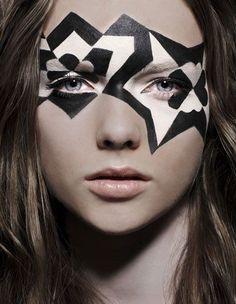 make up- paint it black! (and white) - make up- paint it black! Black And White Makeup, Black White, Art Visage, High Fashion Makeup, Make Up Art, Dramatic Makeup, Crazy Makeup, Makeup Designs, Fantasy Makeup