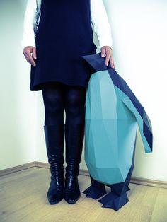 Fancy - Blue Penguin XL Papertrophy