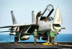 """A """"Black Lions"""" cat being prepared for the days events onboard USS Theodore Roosevelt - Photo taken at Persian Gulf [OFF AIRPORT] in International Airspace on January Military Jets, Military Aircraft, Military Weapons, Air Fighter, Fighter Jets, Tomcat F14, Uss Enterprise Cvn 65, Fun Fly, Us Navy Aircraft"""