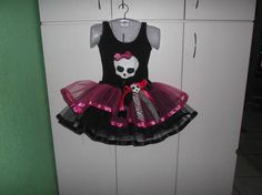 Fantasia Monster High collant + tutu com babado e fitas R$ 150,00