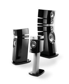 Focal / Utopia   Francuska firma oferuje szeroki asortyment produktów: od podstawowych serii Chorus, Electra aż po linię Utopia, prezentującą najdoskonalsze rozwiązania w dziedzinie zestawów głośnikowych. W każdej serii znajdziemy głośniki frontowe, centralne, efektowe i subwoofery pozwalające skomponować zestaw do kina domowego.