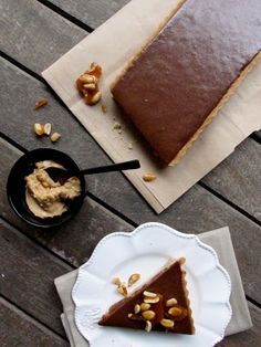 my button cake: peanut butter & chocolate ganache tart