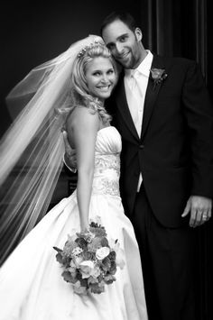 Is there a more stunning bride than this BleuBelle Bridal bride wearing one of our Cheryl King Couture veils?