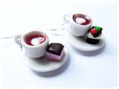 Kolczyki gorąca czekolada z ciasteczkami w BezCukru - biżuteria z charakterem na DaWanda.com, Earrings hot chocolate with cookies, miniature food jewelry, FIMO, polymer clay