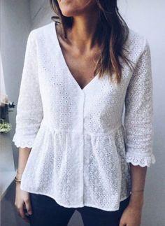 White Blouse Alana on Easy Clothes Blouse Styles, Blouse Designs, White Blouse Outfit, White Lace Blouse, Fashion Pattern, Boho Fashion, Fashion Dresses, Diy Vetement, Bohemian Blouses