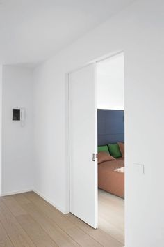 There are basically two types of barn door hardware. The first is a rustic, flat track sliding door system The second is a more modern roller and track style Sliding Pocket Doors, Internal Sliding Doors, Sliding Door Design, Sliding Wall, Sliding Closet Doors, Sliding Door Hardware, Interior Barn Doors, Room Interior, Interior Design Living Room