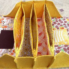 Sew Together Bag # 5 - Sunshine Edition - Interieur Sewing Hacks, Sewing Tutorials, Sewing Crafts, Sewing Projects, Diy Bags Patterns, Sewing Patterns, Sew Together Bag, Bag Women, Diy Bags Purses