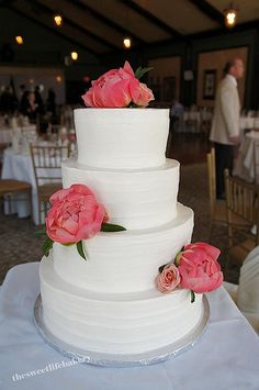 White Swirl Wedding Cake, #white #wedding