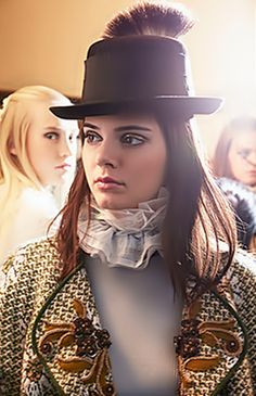 8eafd65feee Kendall at the Chanel Métiers d Art Show. I love her eye makeup here