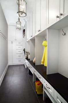 Clean-Your-House-With-These-Mudroom-Plans6 Clean Your House With These Mudroom Plans