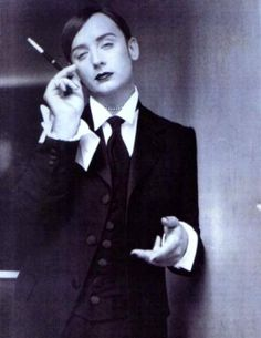 boy george, the world's most famous dandy. i found this pic of Boy George & I had to pin it! Boy George, Dandy, Style Androgyne, It Icons, Blitz Kids, New Romantics, Culture Club, British Invasion, Gender Bender