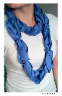 hmmm....infinity scarf from a tshirt....this may become a Christmas present for the sisters..