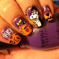 Snoopy 'Halloween' Nails