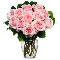 Buchet elegant compus din 9 trandafirii roz , perfect pentru ai insenina ziua persoanei dragi , sau pentru orice ocazie speciala din viata ta.