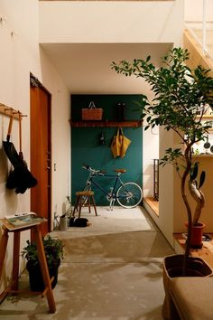 Interior Decorating Styles 86439 looksandhouses: How to make a temporary decoration that can last? Room Interior, Interior Design Living Room, Modern Interior, Interior Architecture, Interior And Exterior, Modern Furniture, Furniture Design, Car Part Furniture, Home Modern
