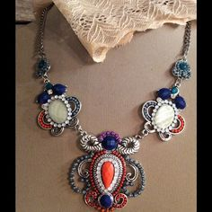 🎉🎉🎉NEW Statement Necklace 5⭐️Rated 🎉🎉🎉 Are some necklace!  Rated 5 ⭐️⭐️⭐️⭐️⭐️ x3 Jewelry Necklaces