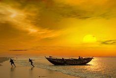 artist: SP Mukherji title: Yellow Sunrise country: India