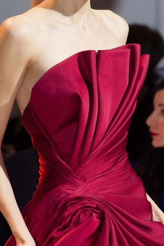 View all the detailed photos of the Zuhair Murad haute couture fall 2014 showing at Paris fashion week. Couture Details, Haute Couture Fashion, Fashion Details, Fashion Design, Red Satin Prom Dress, Runway Fashion, High Fashion, Fashion Fashion, Workwear Fashion