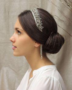 Serre-tête Nicolaï / Tand3m #accessoirecheveuxmariée #bijouxmariage #headband…