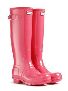 Original Tall Gloss Rain Boots | #Wellies | #Hunter Boots in Crimson Pink. Ooooo :D
