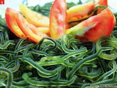 Seaweed salad from the Philippines - http://pinterest.com/ronleyba/filipino-recipes-philippine-foods-filipino-dish/