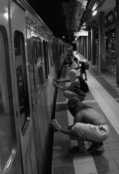 - one united power White Aesthetic, Aesthetic Art, Aesthetic Pictures, Black And White Photo Wall, Black N White, Arte Do Hip Hop, Mode Blog, Nyc Subway, Street Culture