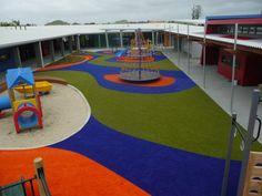Gazon artificiel en couleurs dans les zones de jeux infantiles. #gazonsynthetique Plus d'information : http://www.gazonsynthetiqueiag.fr