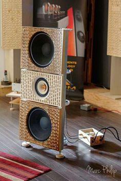 Diy Amplifier, Audiophile Speakers, Hifi Audio, Audio Speakers, Audio Design, Speaker Design, Bookshelf Speakers, Built In Speakers, What Hifi
