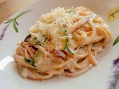 Carbonara Recept, Hungarian Recipes, Hungarian Food, Cooking Recipes, Healthy Recipes, Spaghetti, Easy Meals, Food And Drink, Yummy Food