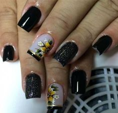 Models of French Decorated Nails Designs For 2018 French nails are classic and never go out of style, because every year new models come up with different colors that fall in the taste of women who love and do not resist a traditional nail. French Nail Designs, New Nail Designs, Acrylic Nail Designs, Acrylic Tips, Blue Nails, White Nails, Trendy Nail Art, Super Nails, Nail Manicure