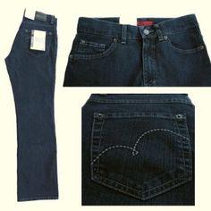 Zeig' Frauenpower mit deiner Jeans!