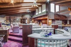This Michigan Home For Sale Is a Pure Late '70s Time Capsule
