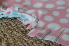 DIY::  No-Sew Blankets