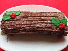A vegan yule log cake recipe which makes a very pretty, festive and delicious cake this Christmas.
