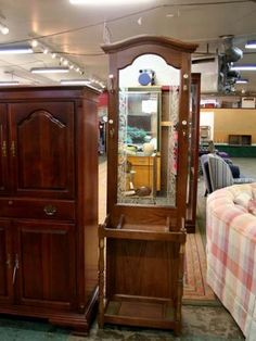 Ethan Allen Antique Pine Collection 66 Quot Dresser And Hutch
