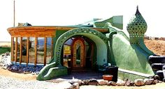 if I ever have to build, this is the way I'm going. Earthships all the way!