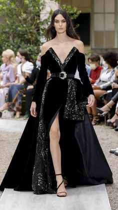 Fashion Week, Fashion Show, Haute Couture Looks, Glamour, Couture Details, Couture Collection, Couture Dresses, Formal Gowns, Beautiful Gowns