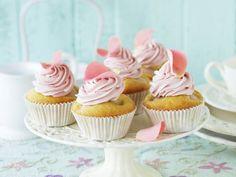 10 super leckere Cupcake-Kreationen, denen keiner widerstehen kann! | eatsmarter.de #rezept #rezepte #eatsmarter #cupcakes #muffin #dessert #nachtisch #kuchen #minikuchen #frosting #creme