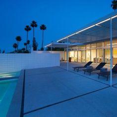 O que acham deste outliving? Ele fica em Palm Springs e foi desenvolvido pela Blue Sky. #inspiracaoversato