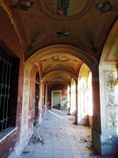 Villa Olga - Provincia: Biella Tipologia: Villa Stato attuale: Rudere Età di edificazione: seconda metà del secolo XIX