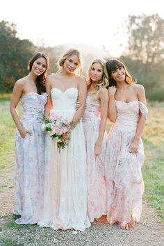 5 Stunning Modern Vintage Summer Bridesmaids Looks - Bridesmaid Dresses Bridesmaid Dresses Floral Print, Couture Bridesmaid Dresses, Summer Bridesmaid Dresses, Mix Match Bridesmaids, Wedding Bridesmaids, Wedding Gowns, Wedding Blog, Bridal Gown, Wedding Venues