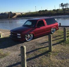 Custom Chevy Trucks, Gmc Trucks, Cool Trucks, Pickup Trucks, Cool Cars, Dropped Trucks, Lowered Trucks, 2 Door Tahoe, Car Man Cave