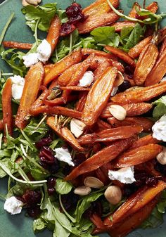 Thanksgiving Recipe: Maple-Roasted Carrot Salad || You're a veggie enthusiast and who can blame you, given their vibrant beauty and flavors? Serve up this Ina Garten salad.