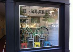 Vélocité Café Põe Lisbon by Magnética Magazine