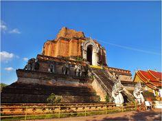 thailandhere: วัดเจดีย์หลวงวรวิหาร เชียงใหม่ Wat Chedi Luang in ...