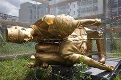 Verwoeste standbeeld