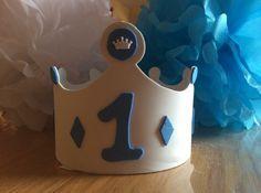 Corona de cumpleaños con goma eva
